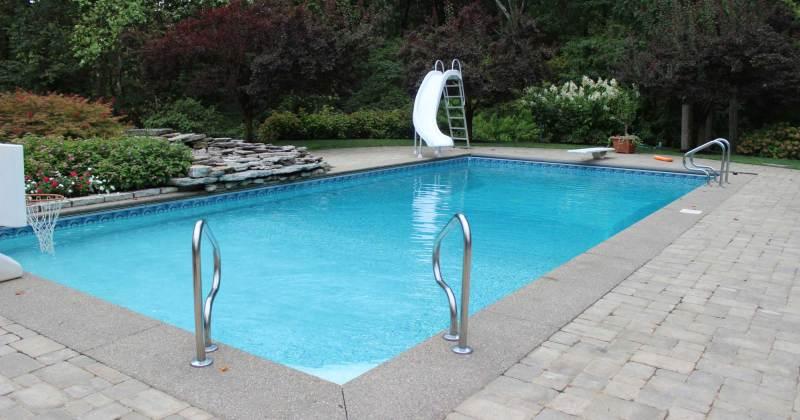 Return lines swimming pools