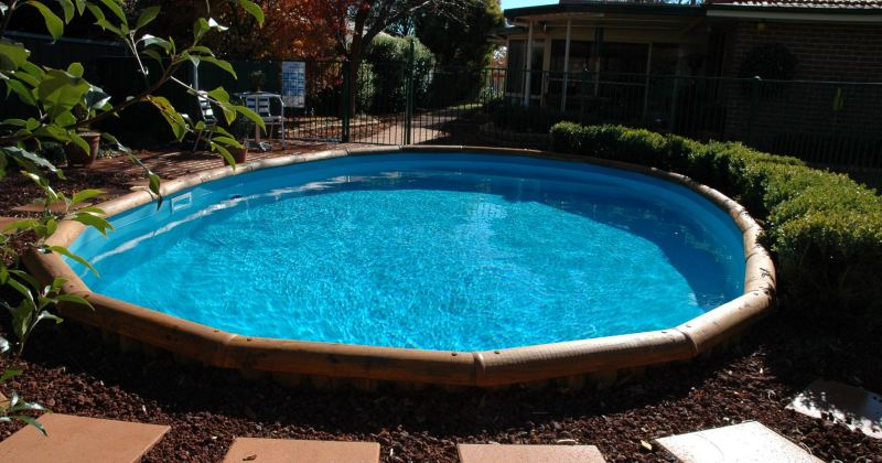 Semi inground pool fiberglass
