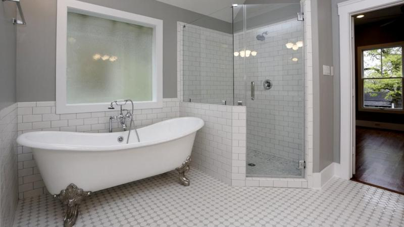 Small bathroom design with tub and shower