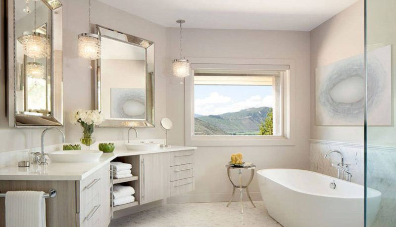 Small bathroom design with tub