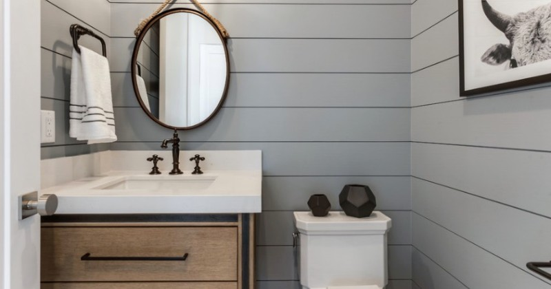 Small half bathroom decor ideas