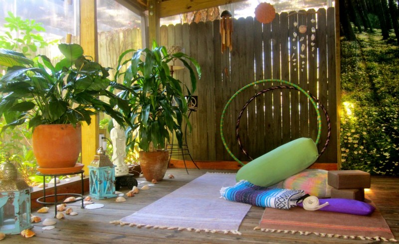 Small outdoor meditation space