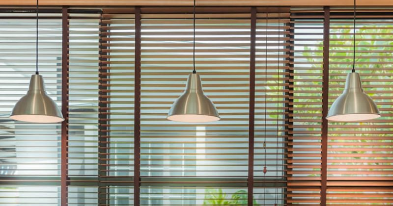 Venetian blinds wood or aluminium