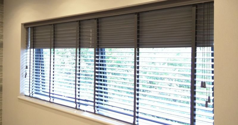 Wooden venetian blinds blackout