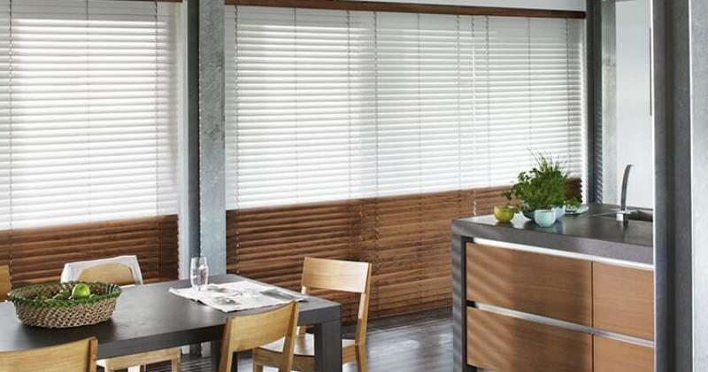 Wooden venetian blinds hull