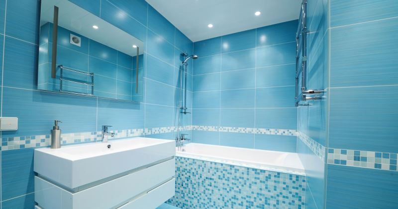 Blue paint for small bathroom