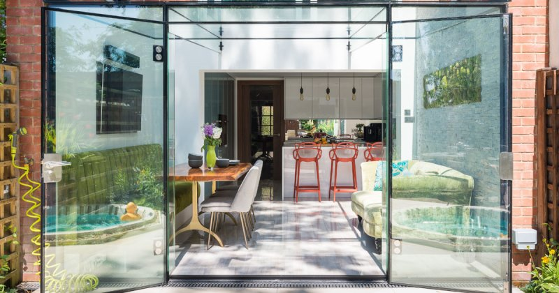 Contemporary glass kitchen extensions