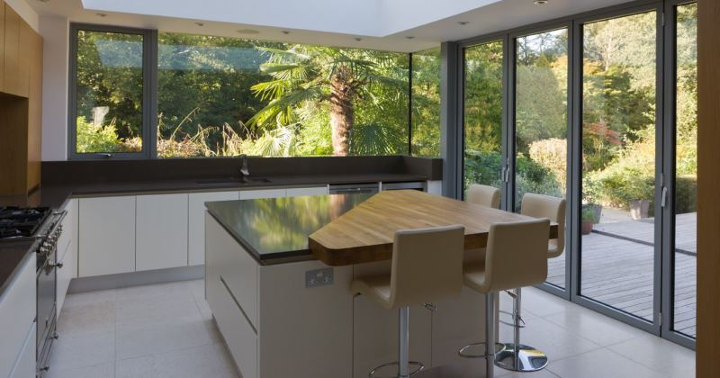 Glass and aluminium kitchen extensions