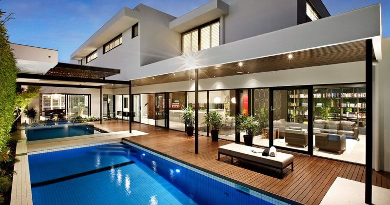 Indoor and Outdoor in Modern House Layouts