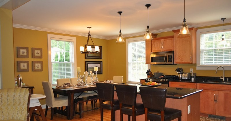 Low voltage mini pendant lighting for kitchen