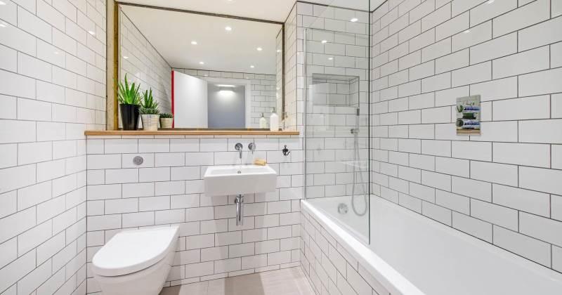 Marble subway tile bathroom ideas