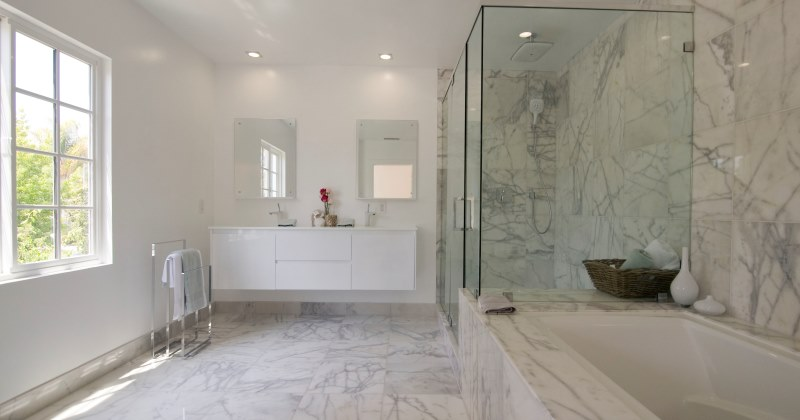 Marble tile ideas for bathrooms