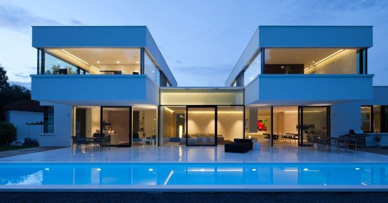Modern minimalist luxury house