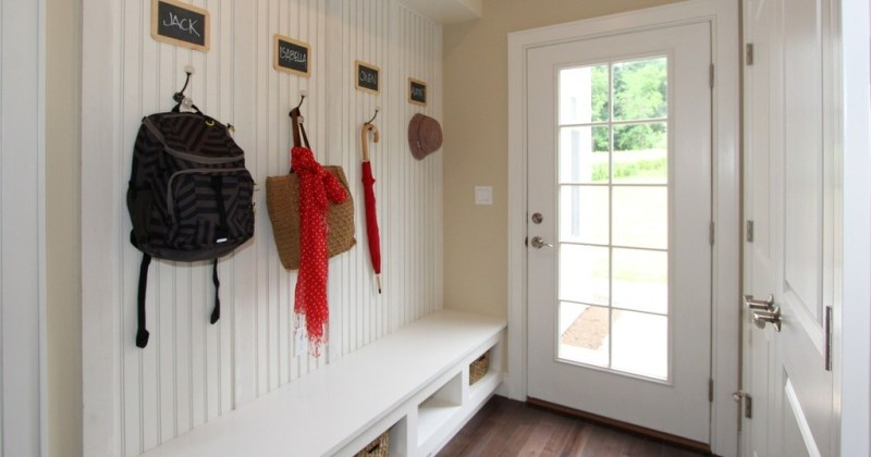 Mudroom ideas small spaces