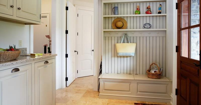 Mudroom ideas with bench