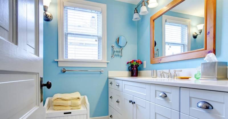 Small bathroom blue colors
