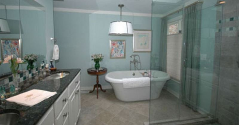 Small blue and white bathroom ideas