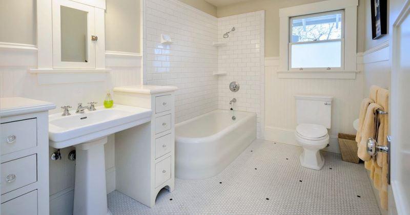 Travertine tile bathroom floor white
