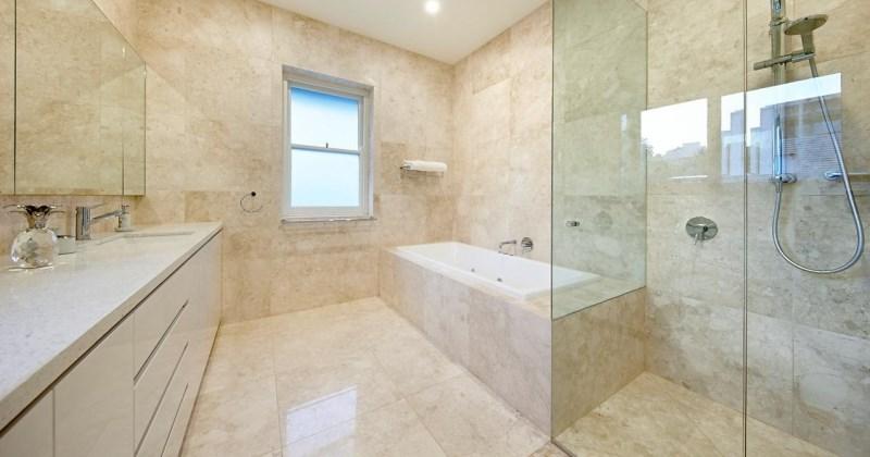 Travertine tile for bathroom floor