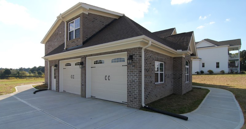 Driveway design side entry garage